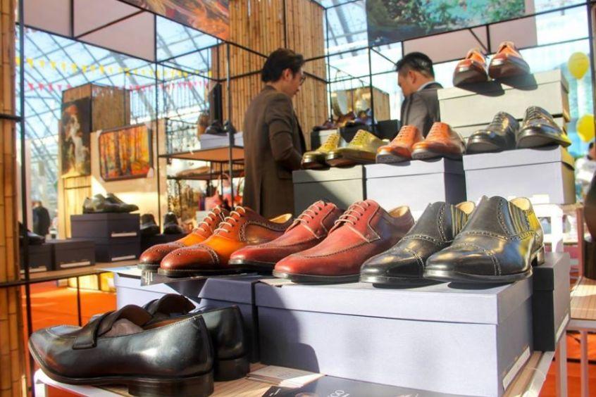 Shop bán giày tây nam tphcm giá sốc khiến cộng đồng mạng điên đảo