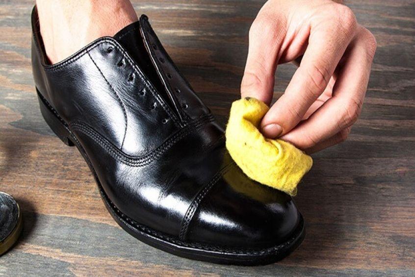 Cách đánh xi giày da bóng chi tiết nhất mang lại hiệu quả cao