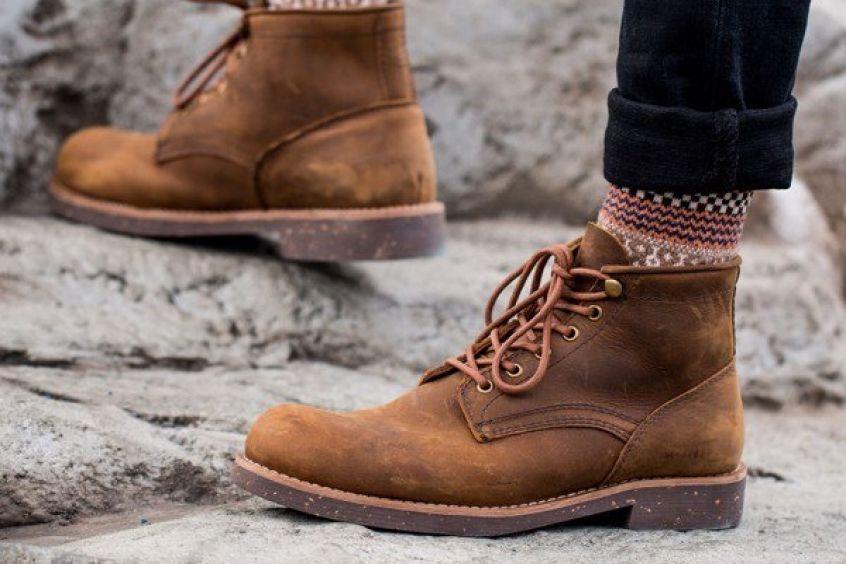 Giày bụi nam vẫn hot bất chấp các trào lưu thời trang mới