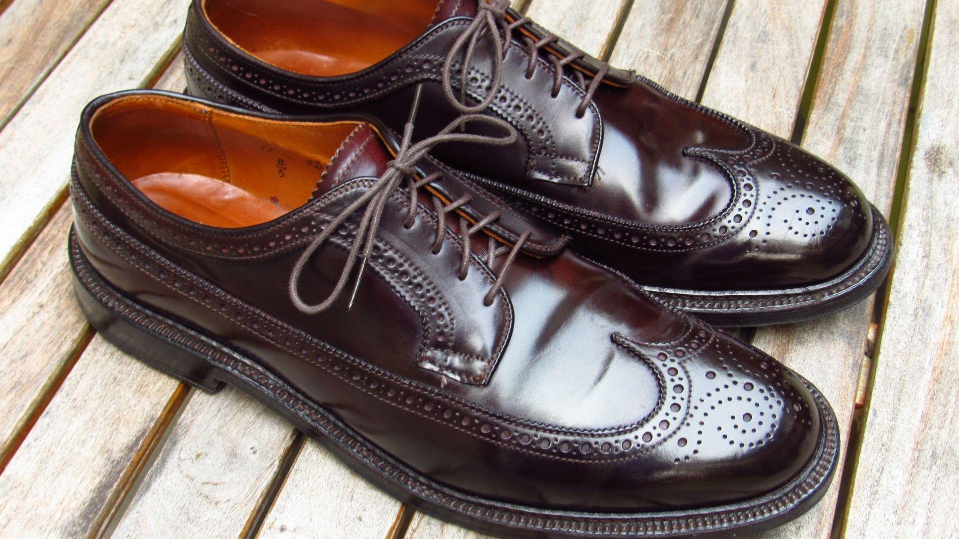 Giày da bị nứt - nhăn sau một thời gian sử dụng